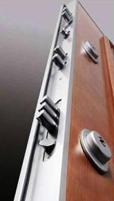 Puertas blindadas 690 puertas blindadas antibumping en - Precio cerradura puerta blindada ...